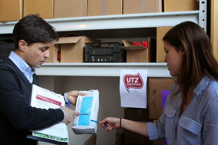 Supply chain actor showing approved packaging to UTZ auditor